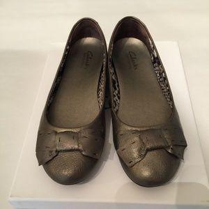 Clarks Silver Grey Bow-Tie Ballet Flats